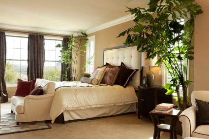 Dekoracje wnętrz - jasne beże i brązy podkreślają ciepły charakter wnętrza.